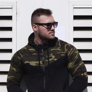 GymBeam Mikina Camo Green camo XL